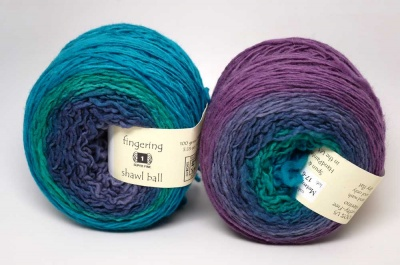 Freia Shawl Ball in Metropolis
