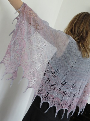 Hazy Daze Shawl/ In-Stock Beaded Kits - Clubs