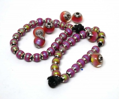 Sunrise mood beads in varying states of