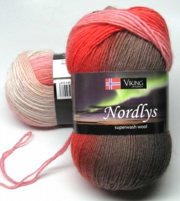 Orphan Skeins: Nordlys in Creamsicle