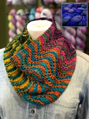 Uneek DK: Colorway #6003: Show Off Chevron Cowl