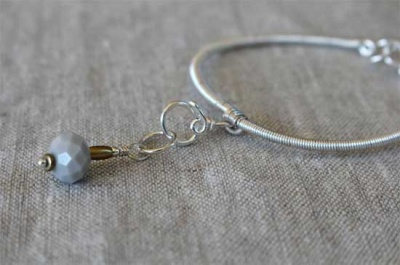 The bracelet with one stitch marker included.