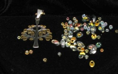 This is the mix for the more silver-y look, using the striking Crystal Marea beads.