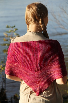 Triangulate/ Pattern by Jennifer Dassau - Scarves and Cowls
