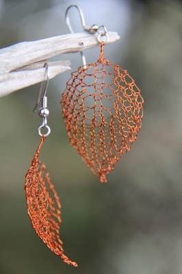 These are Lucy's original earrings which she knit in a copper-colored wire.  This kit has non-tarnish silver wire.