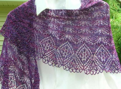 A Year of Diamonds/ Pattern by Kristi/ Bead Gift - Shawls/Stoles