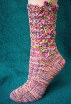 Flower Socks / Pattern with Possible Bead Gift - Socks