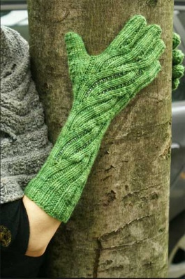 Fluency Gloves/ Pattern from Sivia/ February Bead Gift -