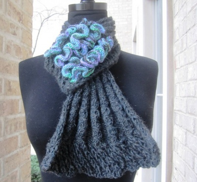 Kerfluffle/ Scarf Pattern by She-Knits - Scarves and Cowls