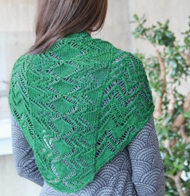 Kinetik/ Beaded or Unbeaded Shawl / Pattern by Laura Nelkin -
