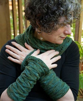 Lorelei/ Beaded Cowl and Cuff Pattern by Sivia Harding - Scarves and Cowls