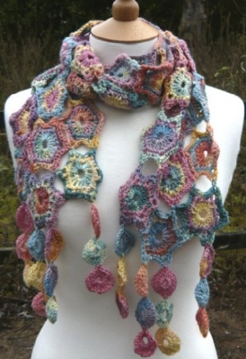 Lula/ A Crochet Pattern from The Natural Dye Studios - Scarves and Cowls