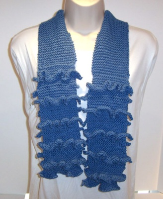 Love Is A Many Ruffled Scarf/ pattern by Catie -