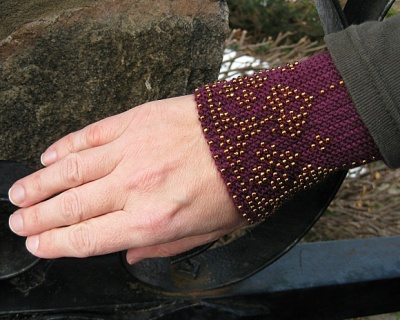 The original cuffs as shown on the Knitty e-zine.