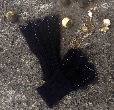 Raven's Wing Wristlets/ Kit - Kits