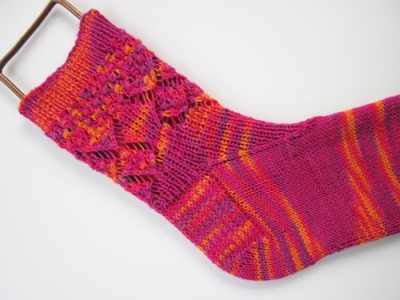 Red Hots Anklets/ Pattern by Jackie E-S -