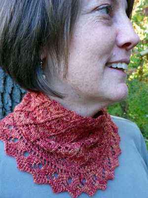 Spiraluscious/ Neckwarmer pattern from KnitSpot -